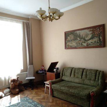 Продам 3 кімнатну квартиру, вул. Лисенка
