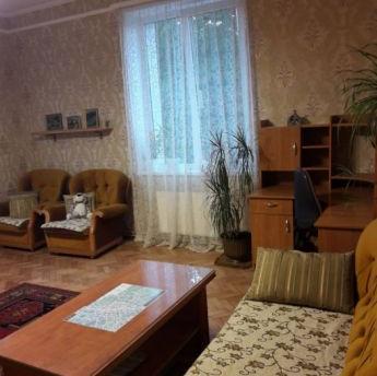 Оренда 2к. квартиру, вул. Кутова
