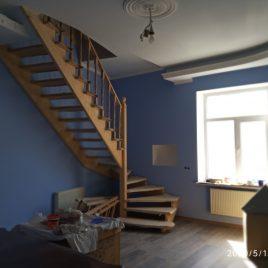Продам 4 кімнатну квартиру, Хмельницького Б. вул.